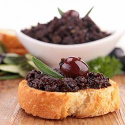 Schwarzen oliven-tapenade